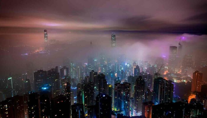 Pildil on vaade Hong Kongile, mis illustreerib teemat Aasia on endiselt krüptomeka, raport kinnitab