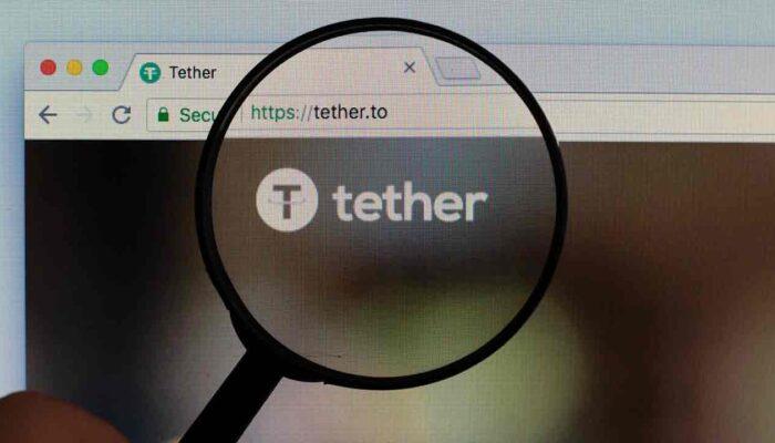 Pildil on arvuti ekraanil kuvatud Tether'i logo, mis illustreerib teemat Tether hakkab kasutama OMG võrku